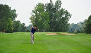 Should I Straighten My Knee In Golf Swing?